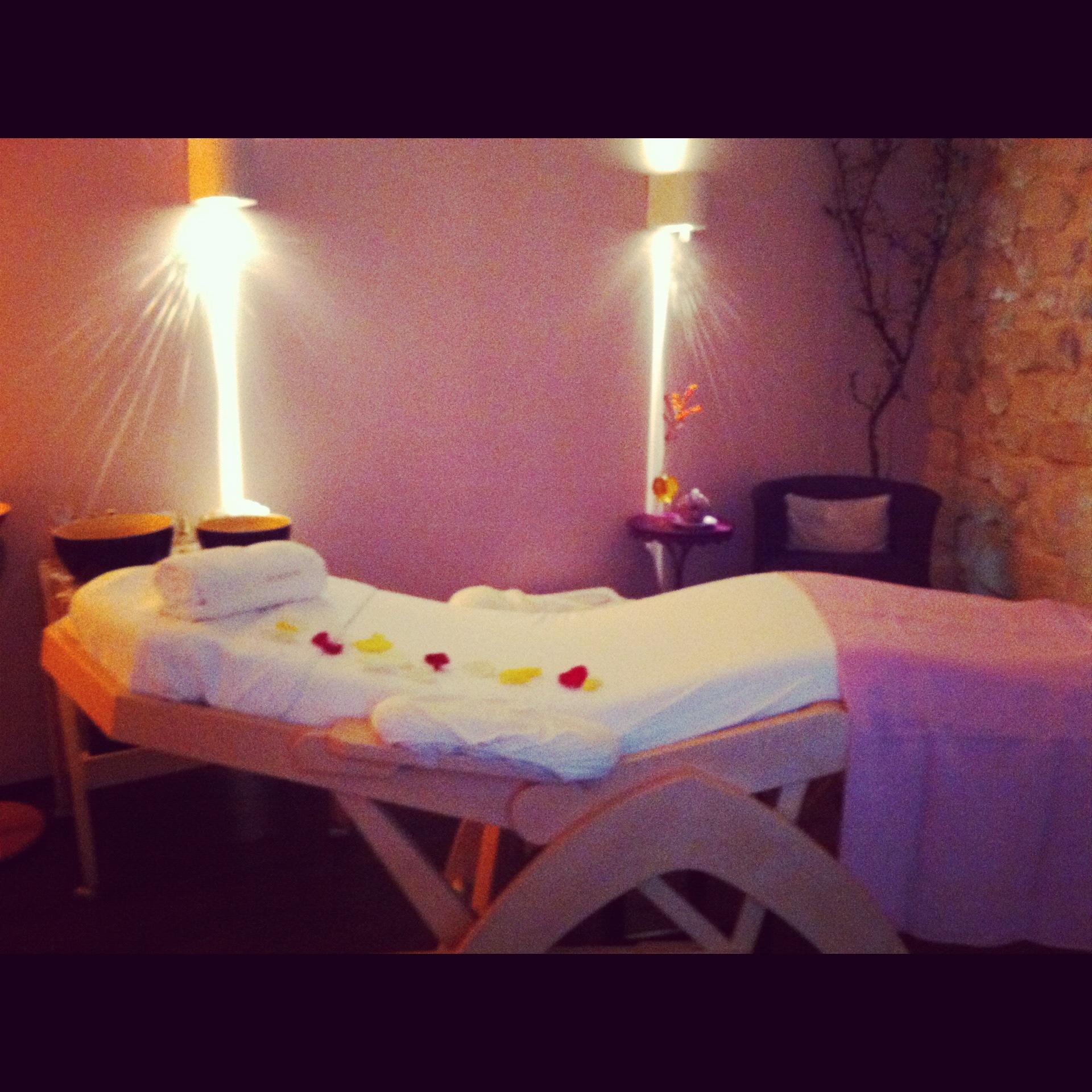 Soin visage dr hauschka paris ambroise beaut - Table de massage paris ...