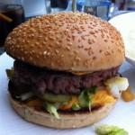 La quête du meilleur burger de Paris : le Publicis Drugstore