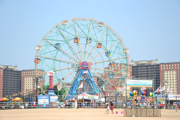 Coney Island grande roue plages Brooklyn NYC