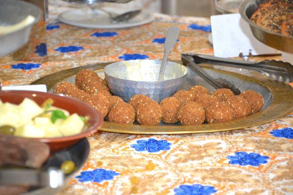 fallafels-mezzés-brunch-restaurant-libanais-liza-paris-75002